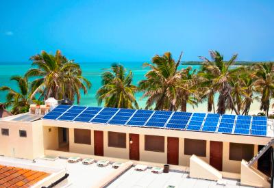 Huracanes contra Paneles Solares